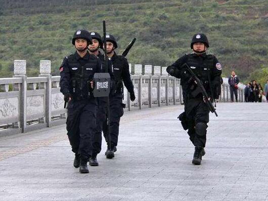 """广西:梧州警方打造""""五微一队"""" 撬动民生警务新变革"""
