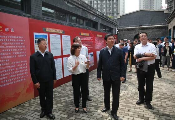 辽宁省委政法委驻村扶贫工作队情系群众暖民心